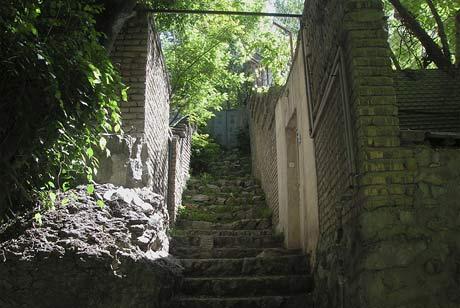 Alley in Darakeh